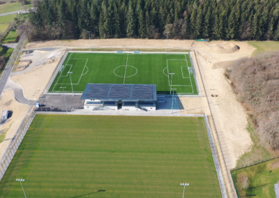 Photo - Construction de deux terrains de football avec vestiaires